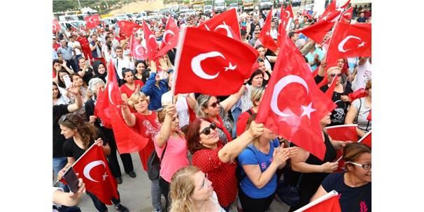 İzmir'de 1 Mayıs Kutlamaları