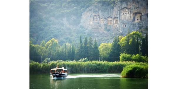 30 Bin Lira Maaşla Profesyonel Turist Aranıyor