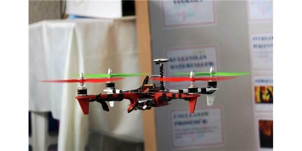 Öğrenciler Etkinlikleri Havadan Görüntülemek İçin Drone Üretti