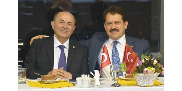 Türkiye'nin En Çok Otopsi Yapan Savcısına Şiirli Veda