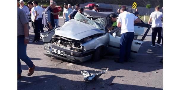 Merkez Haberleri: Sinop'ta trafik kazası: 1 ölü, 4 yaralı 78