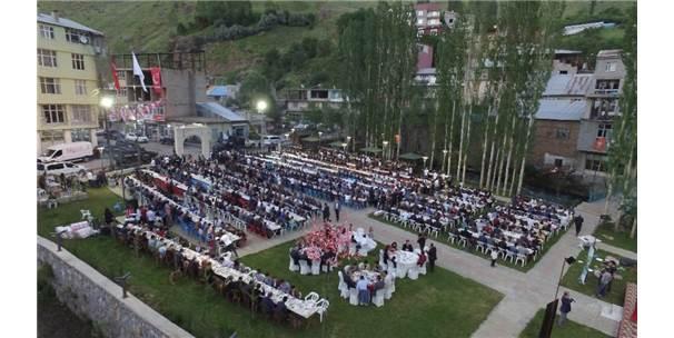 Vali Murat Zorluoğlu İftarını Bahçesaray Halkı İle Açtı