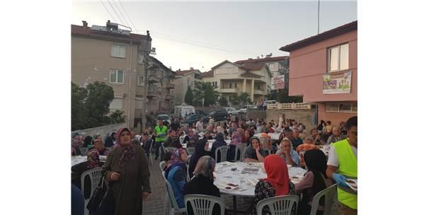 Devrek Belediyesi Sokak İftarında Vatandaşlar Bir Araya Geldi