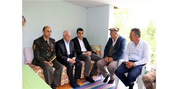 Kaymakam Özdemir'den Şehit Ailelerine Ziyaret