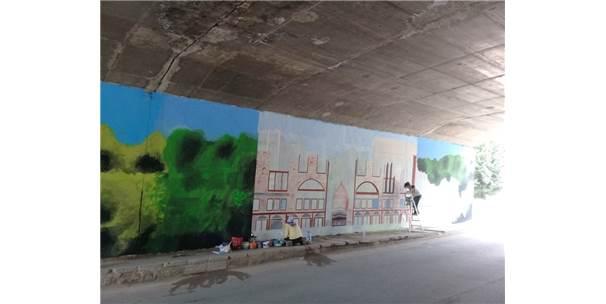 Körfez'in Duvarları Sanatla Boyanıyor