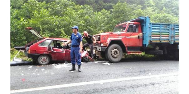 Rize'de Trafik Kazası: 1 Ölü, 3 Yaralı