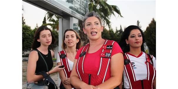Motosiklet Tutkunları Leyla Ve Eylül İçin Bodrum Sokaklarında Tur Attı