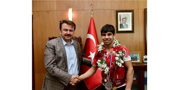 """Başkan Erkoç, """"Kahramanmaraş Sporcu Fabrikası Haline Gelecek"""""""