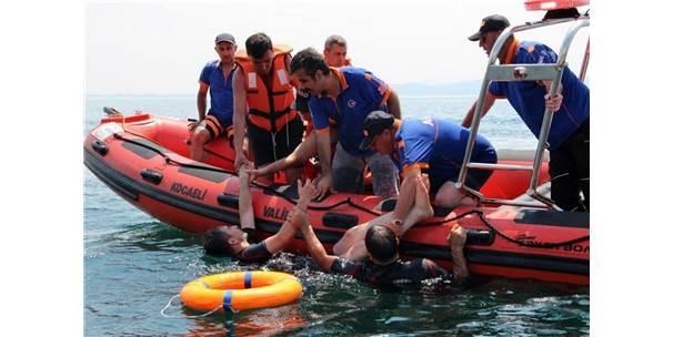 Afad'dan Sapanca Gölü'nde Gerçeği Aratmayacak Kurtarma Tatbikatı