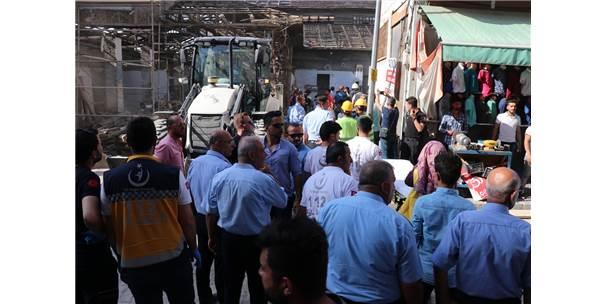 Van'da Restorasyon Esnasında Duvar Çöktü: 1 Ölü, 2 Yaralı
