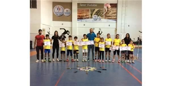 Badminton Şampiyonasına Batmanlı Gençler Damga Vurdu