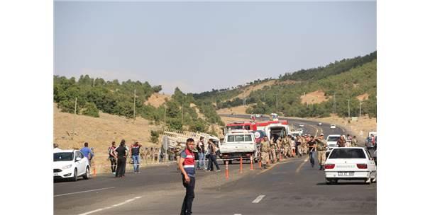 Bingöl'de Otomobille Pikap Çarpıştı: 6 Ölü, 9 Yaralı