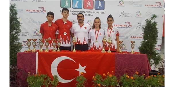 Sırbistan'dan Madalyalar İle Döndüler
