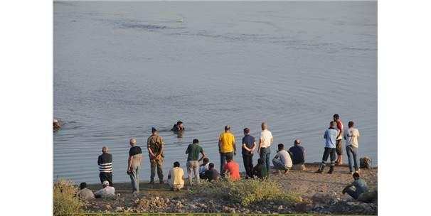 Cizre'de Nehre Giren İki Genç Kayboldu