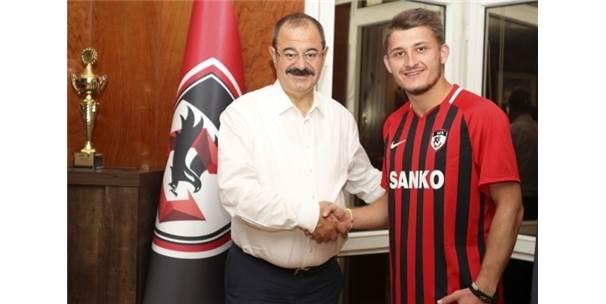 Gazişehir Gaziantep Yusuf Türk'ü Transfer Etti