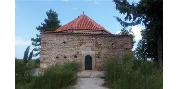 600 Yıllık Emir Mirza Bey Türbesi Restore Edildi