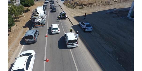 Hatalı Sürücüleri Drone Yakaladı Polis Ceza Yazdı