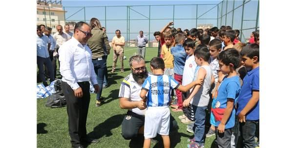 Edremit Belediyesi Futbol Okulu Açıldı