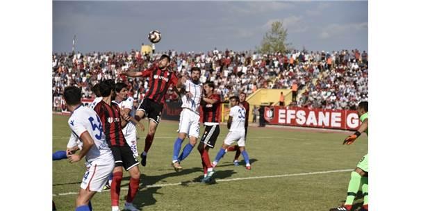 Tff 2. Lig, Utaş Uşakspor:1 - Niğde Anadolu Fk:1