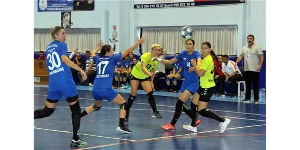 Türkiye Kadınlar Hentbol Süper Lig: Kastamonu Belediyespor: 32 - Yeni Mahalle Belediyespor: 25