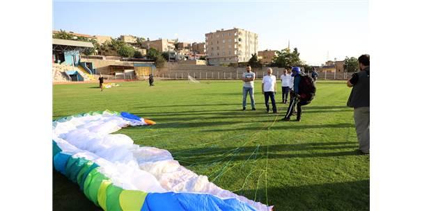 """Mardin'de Belediyeden """"Yamaç Paraşütü"""" Eğitimi"""