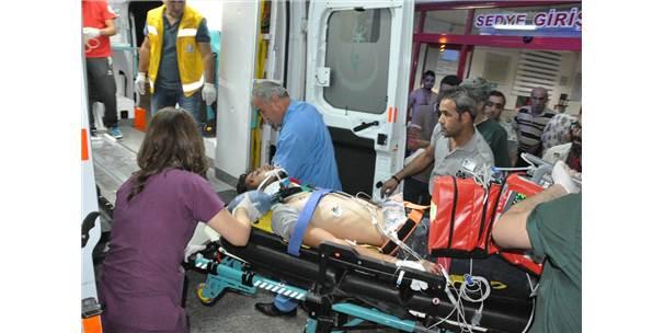 Yerköy'de Kamyonet Yayalara Çarptı: 2 Yaralı