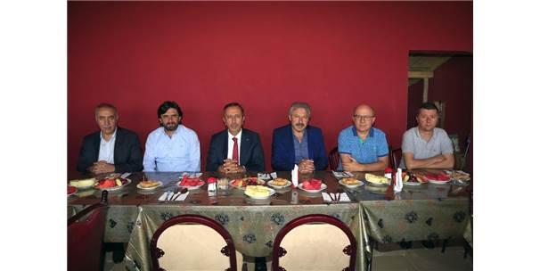 Belediye Başkanı Seçen, Nevşehir Belediyesporlu Futbolcularla Bir Araya Geldi