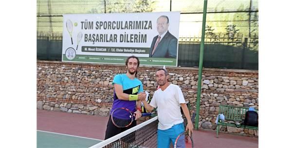 Efeler Belediyesi 9. Geleneksel Tenis Turnuvası Başladı