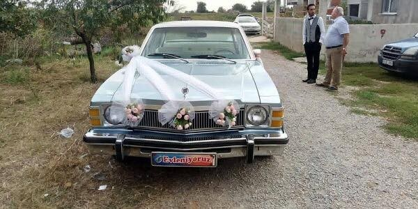 Belediye Başkanının Klasik Otomobili Gelin Arabası Oldu