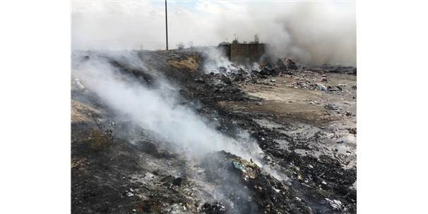 Karaman'da Katı Atık Çöplüğünde Yangın Çıktı