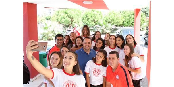 Antalyaspor Bayan A Voleybol Takımı Lige Hazır
