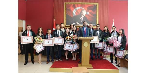 Mersin'de 14 Avukat Yemin Edip Cübbe Giydi