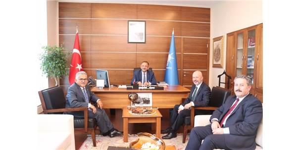 Metropol İlçe Belediye Başkanlarından Özhaseki'ye Ziyaret