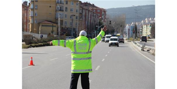 Sürücülere, 1 Haftada 33 Bin Lira Para Cezası Kesildi