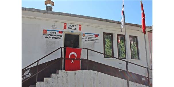 Gazilerin Bastonları Araç Müzesine Bağışlandı