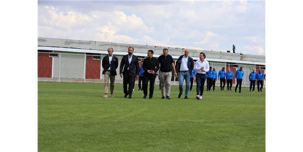 Tff Futbol Gelişim Direktörü Kafkas, Sivasspor'un Alt Yapı Tesislerini Gezdi