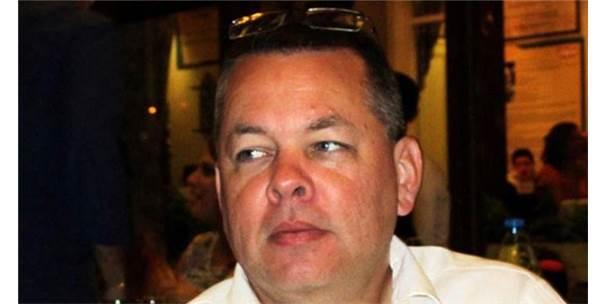 Papaz Brunson, Duruşma Öncesi Evinden Alındı