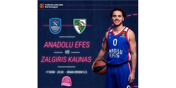 Anadolu Efes-Zalgiris Kaunas Maçı, Pembe Kıyafetle Gelen Kadınlara Ücretsiz