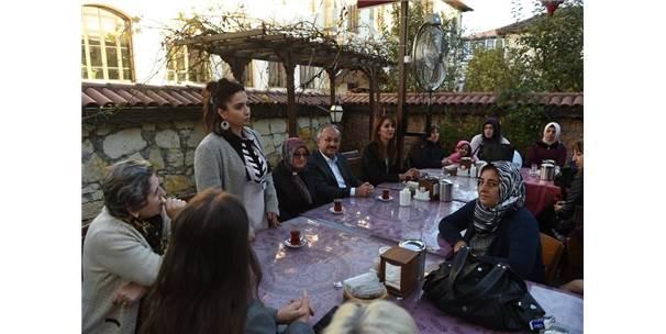 Belediye Başkanı Tahsin Babaş Ev Hanımlarıyla Bir Araya Geldi