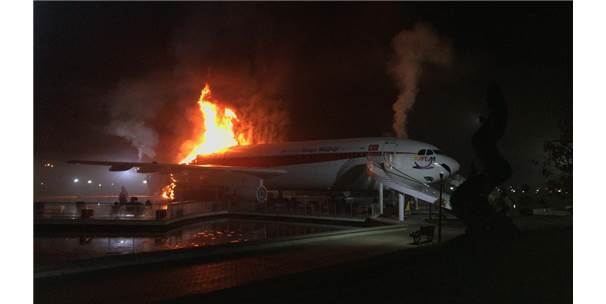 Güncelleme - Konya'da Uçak Restoranda Yangın