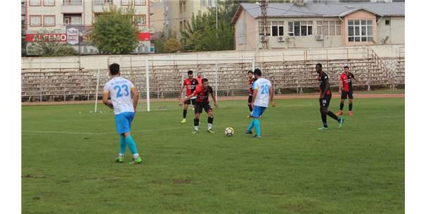 Siirt İl Özel İdarespor, Bingöl Karlıova Yıldırımspor'u 4-1 mağlup etti