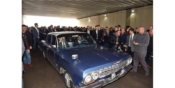 Başkan Ergün'den Klasik Otomobilli Kavşak Açılışı