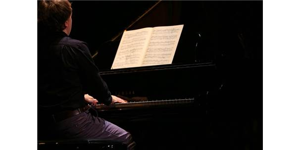 Yazdığı Piyano Konçertosunu Maltepe'de Seslendirdi