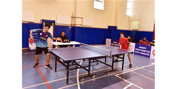 Osmaniye'de Masa Tenisi Turnuvası Sona Erdi