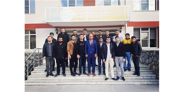 Siirtli Genç Çiftçiler, Aydın'da Tarım Ve Hayvancılığı Öğreniyor