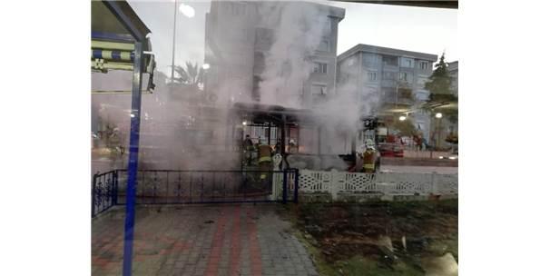 Çanakkale'de Halk Otobüsü Alev Alev Yandı