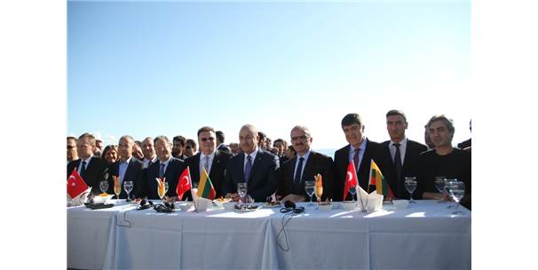 Dışişleri Bakanı Mevlüt Çavuşoğlu Antalya'da