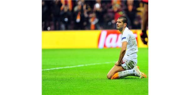 Uefa Şampiyonlar Ligi: Galatasaray: 1 - Porto: 2 (İlk Yarı)