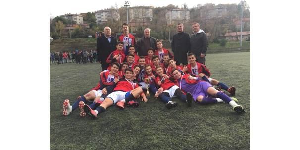 Futbol Takımı 22 Yıl Sonra Şampiyon Oldu