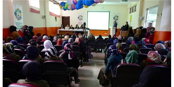 """Şanlıurfa'da Öğrencilere """"Aile"""" Eğitimi"""